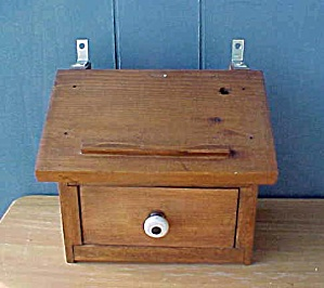 Vintage Wall Pocket - Handmade as Desk (Image1)