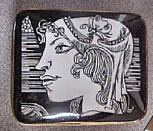 Romanian Porcelain Box (Image1)