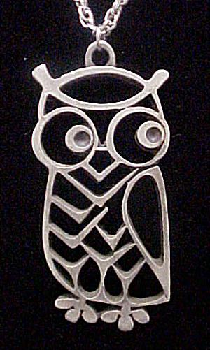 Metal Owl Pendant on Chain (Image1)