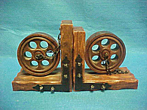 Medieval Wooden Wheel/Chains Bookends (Image1)