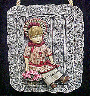 Little Girl In Period Clothes Plaque (Image1)