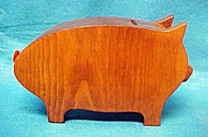 Wooden Pig Bank (Image1)