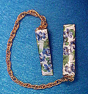 Forget-Me-Nots Enameled Sweater Guard (Image1)