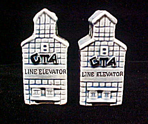 GTA Line Elevator - Salt & Pepper Shakers (Image1)