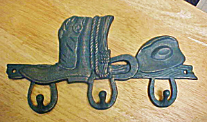 Cowboy Cast Iron Rack - Three Hooks (Image1)