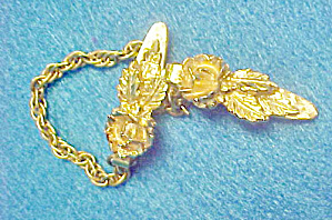 Floral Sweater Guard Clip - Gold-toned