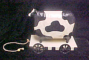 Black/White Cow Decorative Pull Toy (Image1)