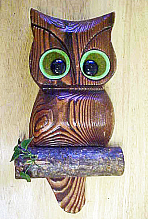 Wooden Owl - Wall Decor (Image1)