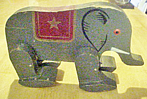 Eisenhower Wooden Toy Elephant (Image1)