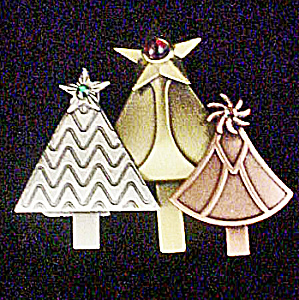 Christmas Tree Pin w/Three Treese (Image1)