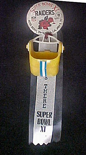 Super Bowl XI Raiders Pin Back 1977 (Image1)
