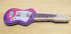 Guitar Shaped Tin Container (Image1)