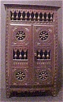 Click here to enlarge image and see more about item A44: Salesman's Sample/Miniature Armoire
