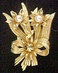 Click here to enlarge image and see more about item AA475: Floral Pin W/Faux Pearls