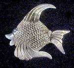 Click here to enlarge image and see more about item AA760: Silver Angelfish Pin