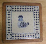 Click here to enlarge image and see more about item AAA1494: Hen Tile Trivet - Oak Wood Frame