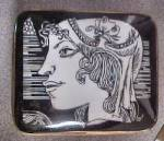 Click to view larger image of Romanian Porcelain Box (Image1)