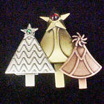 Click here to enlarge image and see more about item J106: Christmas Tree Pin w/Three Treese