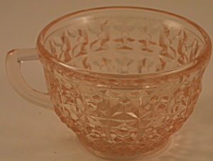 Pink Holiday Cup (Image1)