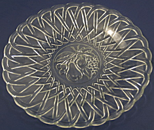 Pretzel Dinner Plate with Embossed Fruit (Image1)