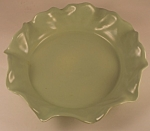 Click here to enlarge image and see more about item CD115: Metlox Poppytrail Ruffled Bowl