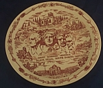 Click here to enlarge image and see more about item CD124: Vernon Kilns Mount Rushmore Plate