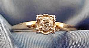 14k Yellow Gold Diamond Solitaire Ring - Size 10