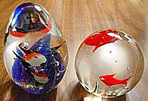 Pair of Glass Fish Paperweights + BONUS (Image1)