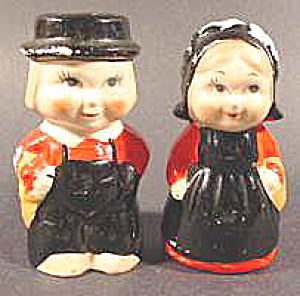Amish Salt And Pepper Shaker Set