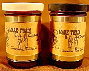 Souvenir Shaker Set - Mark Twain - Hannibal, Missouri