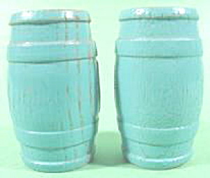 Kitchen Collectibles - Blue Wood Barrel Keg Shaker Set