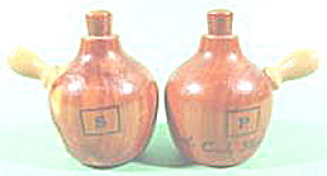 Kitchen Collectibles ~ Souvenir Wood Jugs Battle Creek (Image1)
