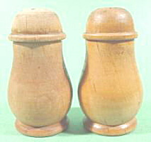 Kitchen Collectibles - Wood Shaker Set - Vintage