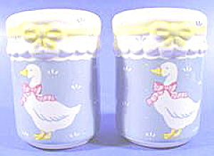 Kitchen Collectibles - Country Kitchen Shakers - Geese