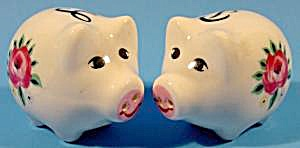 Kitchen Collectibles - Pig Shaker Set - Porcelain