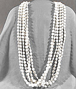 Vintage Triple Strand Plastic Bead Necklace (Image1)