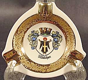 Porcelain Souvenir Ashtray ~ Munchen, Germany (Image1)
