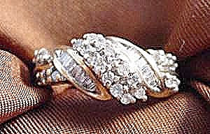 10k Y.g. Diamond Ring - Size 6.75