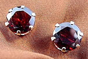 14k Y.g. Garnet Earrings - Pierced