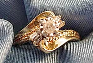 10k Yellow Gold Diamond Dinner Cocktail Ring - Size 6.5