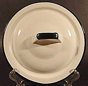 White Graniteware Lid with Black Trim -  6-5/8 inch (Image1)