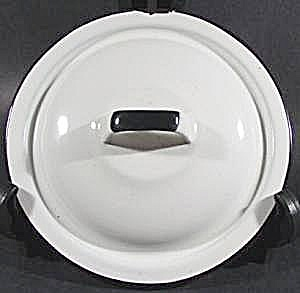 White Graniteware Lid with Black Trim - 7 inch  (Image1)