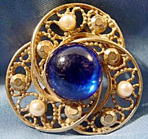 Brooch Pin - Faux Pearls and Blue Stone - Vintage (Image1)