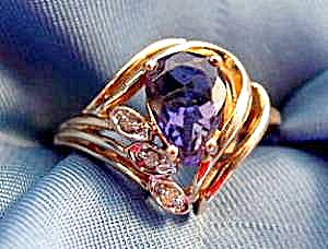 Amethyst & Diamond Ring - 10K Yellow Gold - Size 6 (Image1)