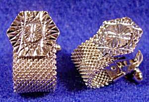 Gents Cuff Links - Diamond Cut - Silvertone Mesh (Image1)