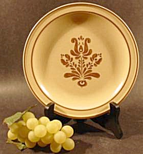 Pfaltzgraff Village Bread 'n Butter Pie Plate - Retired (Image1)
