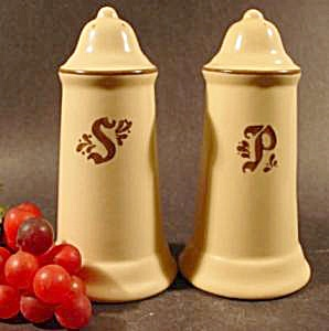 Pfaltzgraff Village Salt and Pepper Shaker Set (Image1)
