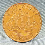 Click here to enlarge image and see more about item B591: Great Britain Bronze Half Penny Coin -  1944