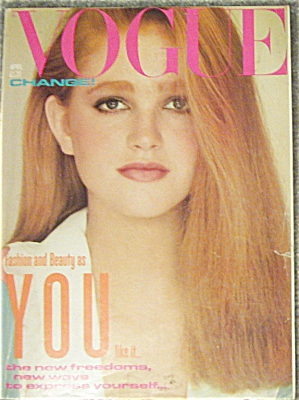 Vogue UK British Magazine APR 1982 (Image1)
