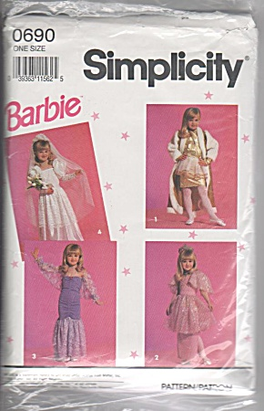 HARD~TO~FIND~VINTAGE~BARBIE~DRESS-UP PLAYCLOT (Image1)